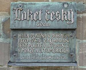 Loket český na radnici v Litomyšli