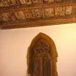 Dřevěný malovaný renesanční strop a portál, kde byl vstup do domu Platejz