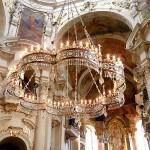 Kostel sv. Mikuláše, lustr