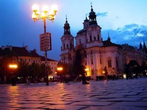 Praha: Kostel sv. Mikuláše v noci