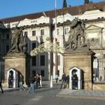 Praha, Hrad, první nádvoří