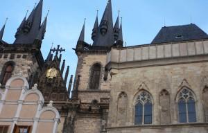 Týnský chrám, průčelí foto: Praha levně